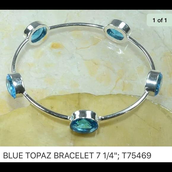 Jewelry - Topaz Bangle Bracelet 🔥